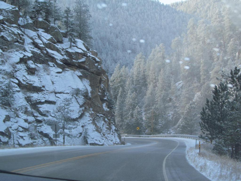 A bend on the way to Bear Lake and our first time driving in the snow.